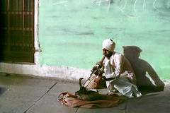 1069 The Snake Charmer of Delhi--India (ngchongkin) Tags: india niceshot snake harmony showroom breathtaking supreme nationalgeographic autofocus favoritephotos finegold thegalaxy beautifulshot anythingyoulike peaceaward avpa flickrhearts flickraward flickrbronzeaward heartawards eperkeaward flickridol beautifulaward thebestshot highqualityimages spiritofphotography qualifiedmembersonly photographerparadise artofimages dragonflyawards friendswhocare visionaryartsgallery contactaward sapphireawards pegasusaward flickrsgottalent bestpeopleschoice mygearandme lomejordemisamigos fireworksofphotos fabulousplanetevo goldstarawardlevel1 ringexcellence chariotsofartists digitographer photohobbylevel1 thethreeangelslevel1