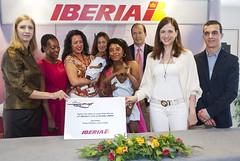 Foto de familia: nacimiento a bordo del vuelo Malabo-Madrid