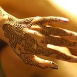 reena's elegant hand with henna
