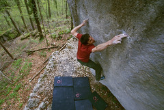 franz widmer repeats le poincenneur des lilas fb 8c (chris frick) Tags: wood trees red orange green leaves rock magazine lens grey switzerland climb concentration power angle action extreme fingers perspective spiderman pad wideangle boulder basel explore climbing jura edge frame repetition limestone bouldering meditation climber edition fontainebleau pentecote viewdown klettern gravitation 8c wideanglelens unusualperspective crashpad pentecoste mammut bouldern leisten baslerjura lookinghard sonyalpha100 amazingmoment 8anu franzwidmer pelzli chrisfrick pullinghard frednicole abseildown kleineleiste microlcher micropockets fb8c font8c 8cbloc 8cboulder kleineleisten