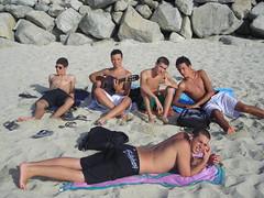 Gruppo sulla spiaggia (Luca Marchi) Tags: mare spiaggia gruppo tropea