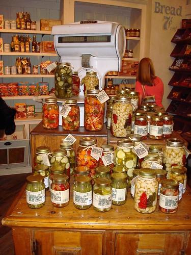 Canned Vegetables by Svadilfari