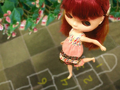 Cherry on Top: Doce Blythe Infncia / Sweet Childhood (:Claudia:S:) Tags: doll blythe hopscotch boneca infancia takara marelle rayuela macaca amarelinha cherryontop natashamoore octoberchallenge desafiooutubro
