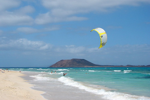 Kitesurfing at Flag Beach