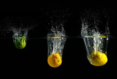 The Tree Musketeers doing a splash!! (Dan. D.) Tags: orange water fruit canon aquarium flash 5d setup citrus lime splash 580ex liquide homestudio strob strobist eldano alemdagqualityonlyclub