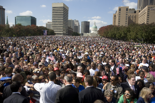 20081018_St.Louis_MO_ArchRally0433.jpg by Barack Obama.