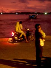 Love... (f i Я a s) Tags: sunset sea male love island golden boat nikon child father capital daughter mother silhouettes son maldives atoll vilingili uniquemaldives coolpixs50 firax