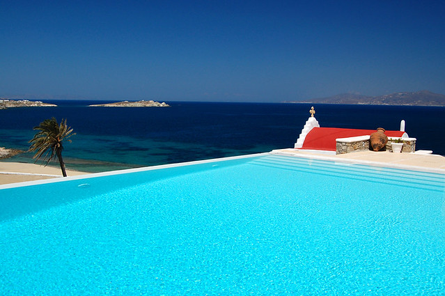 Infinity pool, Bill & Coo Suite Hotel, Mykonos
