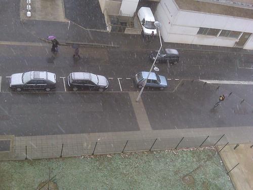 Il neige en région parisienne !