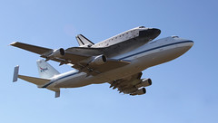 "Rockwell International Space Shuttle Endeavour OV-105 on Boeing 747-100SR Shuttle Carrier Aircraft (SCA) - N911NA ""NASA 911"" at EFD (AV8PIX Christopher Ebdon) Tags: g4 sca nasa talon canberra hornet boeing 707 f18 g3 spaceshuttle 747 sta t38 dc9 dc8 b47 superguppy vomitcomet efd weightlesswonder nasa911 n911na 747100sr wb47 superguppie"