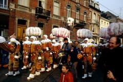 Carnaval de Binche (Pierre♪ à ♪VanCouver) Tags: carnival belgium carnaval belgique mardigras gilles binche belgica belgie shrovetuesday wallonie sofarsocute carnevale