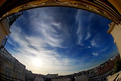 Eye Went Fishing (omalingue) Tags: pictures blue sky sun paris clouds photography soleil nikon flickr photographie photos pics arc triomphe blues images fisheye bleu ciel nuages olivier photographe 105mm photographies nuageux 75008 skylovers omalingue d40x malingue oliviermalingue groupsok