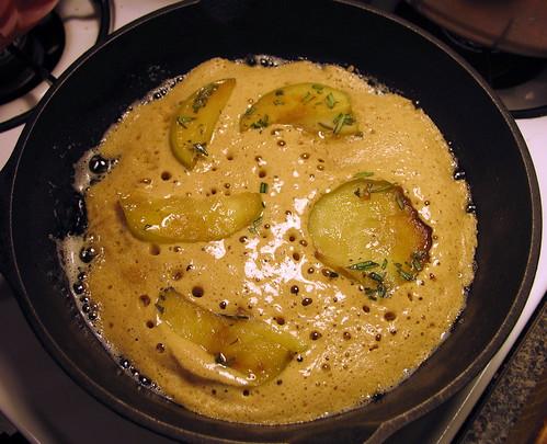 apple pancake cooking