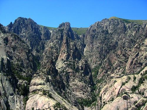 Les ravins de Purcaraccia et Nura, les pointes Calanca Vecchja et Muvrareccia