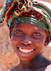 a golden smile (Ferdinand Reus) Tags: africa travel girl beautiful smile happy pretty young looks mali ethnic ebony bozo djenne afrique segou