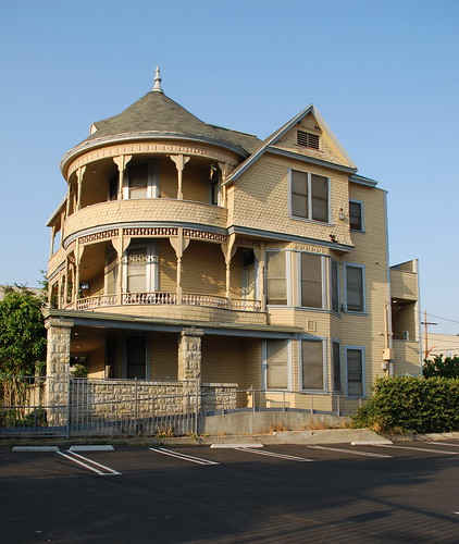 826 South Coronado Residence
