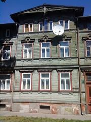 trhus i Liepaja (Anes) Tags: tr latvia 2008 ferie hus liepaja grnt letland trhus udskringer