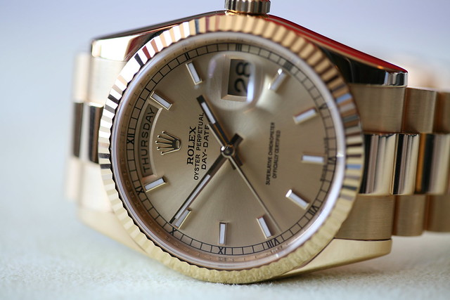gold swiss president watch fine timepiece luxury rolex champagnedial