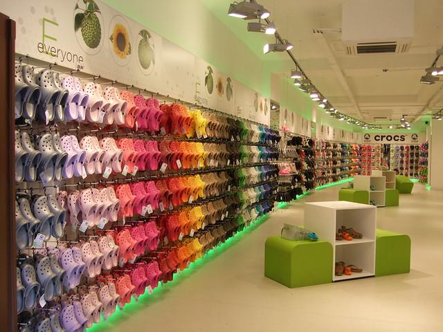 Crocs shop....