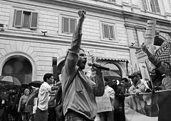 siamo tutti figli di Annibale (hidden side) Tags: people rome roma bn piazza racism biancoenero demostration noracism manifestazione inpiazza migranti stoprazzismo 4ottobre2008 manifestazionestoprazzismoroma4ottobre2008 aganistracialpolitics aganistracism