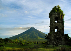 Mt. Mayon\'s Postcard Shot