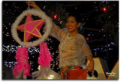 Advance Greetings to All My Friends (Mr. FRANTaStiK) Tags: christmas tourism japan star tokyo dance holidays bokeh odaiba presentation lantern festivity parol pinoy filipiniana pasko fongetz francistan bayanihandancetroupe yuletide2008