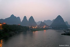 Yangshuo at Dusk (Rolandito.) Tags: china guilin yangshuo guangxi