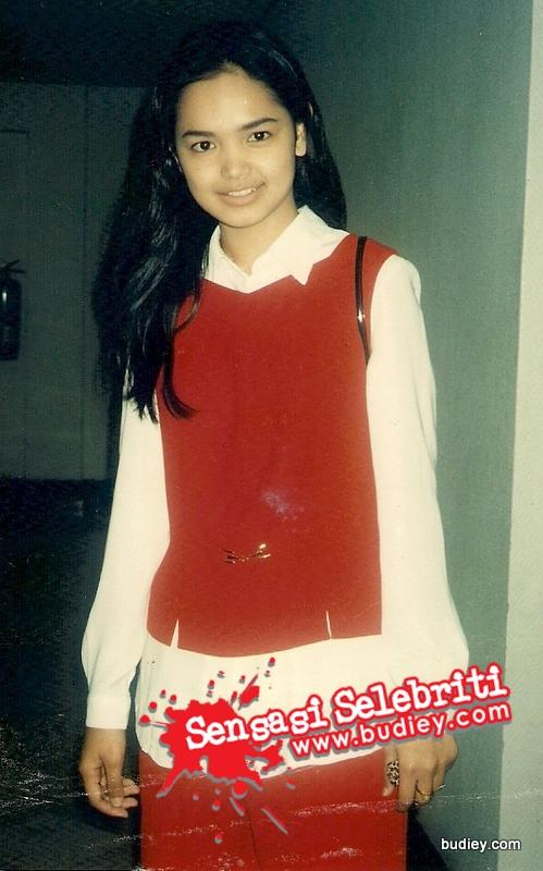 Koleksi gambar dulu-dulu. Gambar Dato' Siti Nurhaliza ini diambil