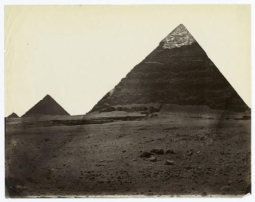 [Pyramid of Chephren at Gizah.]