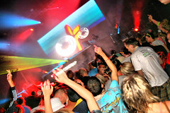 090830 Creamfields 2009 - Cream Arena - Ferry Corsten (dangerous_disco) Tags: uk party england holiday festival dance cheshire weekend sunday cream bank august 09 rave 2009 creamfields clubbers daresbury halton nightclubphotography
