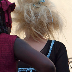 In the shadow ¬ 5828 (Lieven SOETE) Tags: life city brussels people urban woman fashion female donna mujer belgium belgique recycled femme mulher young belgië diversity bruxelles ciudad menschen personas persone stadt metropolis bruselas frau mode brussel belgica personnes ville jóvenes junge joven città giovani belgien 人 المدينة jeune 像 女人 жена город люди weiblich intercultural 2011 女性 женщина девушка féminine 市 γυναίκα 女子 femminile ベルギー брюссель diversité 比利时 布鲁塞尔 ブリュッセル بلجيكا المرأة бельгия بروكسل interculturel женский 年轻的姑娘女性