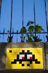 Space Invader  Paris (un oeil qui trane) Tags: street blue red urban streetart game paris france art yellow jaune rouge mosaic space arcade spaceinvader spaceinvaders bleu tiles invader 75 mosaique graffitis mosaque arrondissements 16