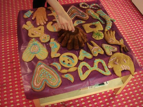 Decorando galletas para la inauguración de Pietari