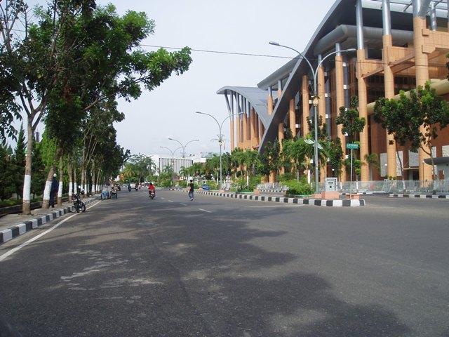 Perpustakaan termegah di Indonesia | Soeman Hs - Riau