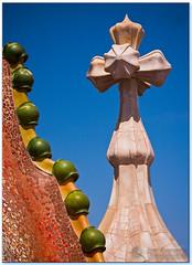 Casa Batll - Antoni Gaudi (janusz l) Tags: barcelona geotagged spain gaudi guell casabatllo casabatll janusz littlestories leszczynski abigfave geo:lat=41391644 geo:lon=2164966 theunforgettablepictures picswithsoul eusebiogell