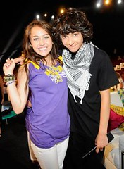 Miley Cyrus and Adam Sevani (iHeartJonasMiley&Demi) Tags: mandy adam acdc brothers teen choice mm awards cyrus jonas cru miley sevani jiroux
