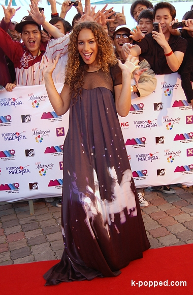 leona lewis and her malaysian fans mtv asia awards 2008