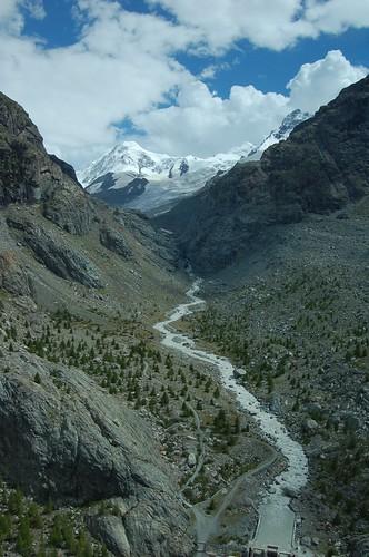 氷河から川へ