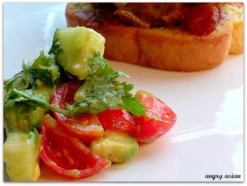 avoc. tom salad