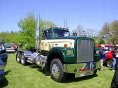 1974 Dodge Big Horn tractor (splattergraphics) Tags: tractor truck 1974 semi dodge mopar bighorn carshow semitractor boonsboromd masondixondragway midatlanticmoparmeet