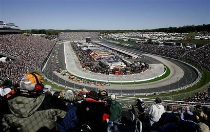 NASCAR green flag in Martinsville VA for the Tums 500 with Jimmie Johnson and Jeff Burton On front row.