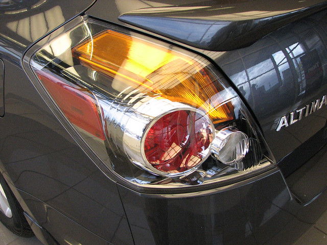 oregon nissan screen clear hybrid altima 2009 taillight medford lithia lithialife