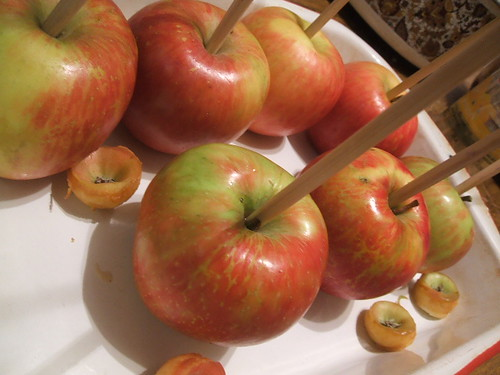 tricked out caramel apples part 1- plain janes 010