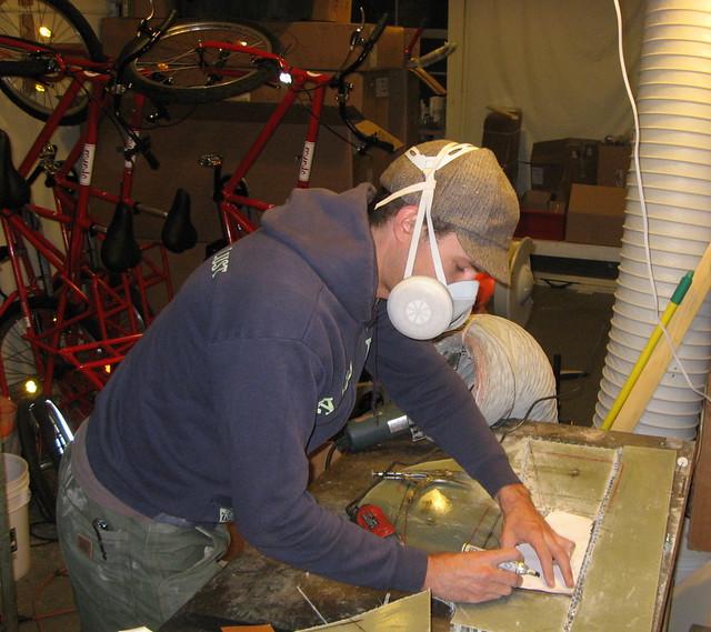 Leif cutting honeycomb