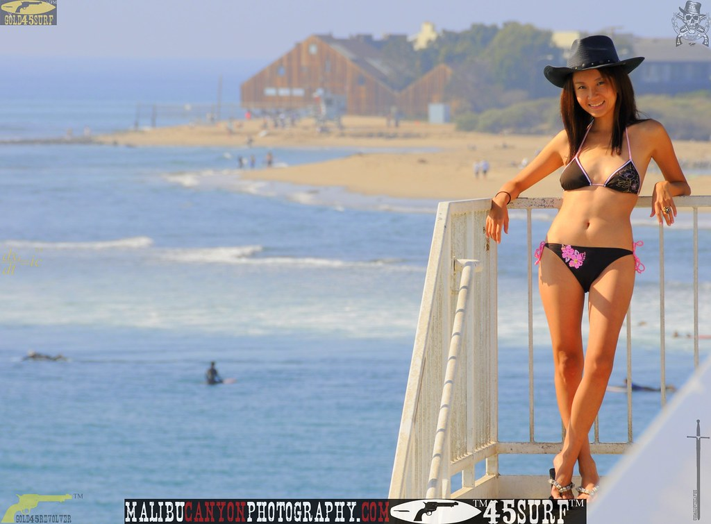 malibu_swimsuit_model_pier_october  374.4565