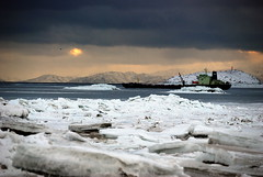 Iqaluit, onset of winter (Ballygrant Boy) Tags: winter canada ice nikon ships arctic nunavut iqaluit 18200vr d80 aplusphoto worldtrekker qualitypixels saariysqualitypictures