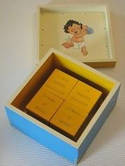 D46 - recordaes de bb (Ideias com Cores) Tags: azul artesanato caixa madeira menino bb decoupage tcnicadoguardanapo recordaes ideiascomcores