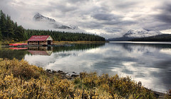 Maligne Lake Boat House (sminky_pinky100 (In and Out)) Tags: house lake canada mountains water clouds rockies boat jasper alberta hdr malignelake personalbest abigfave omot cans2s eyejewel amazingalberta damniwishidtakenthat thenewacademy