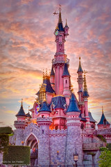 DLP Halloween 2010 - Le Chteau de la Belle au Bois Dormant as the sun sets (PeterPanFan) Tags: travel autumn sunset vacation france castle fall other october europe oct disney fr 2010 disneylandparis dlp sleepingbeautycastle halloweentrip disneylandresortparis dlrp marnelavalle timeofday photomatixpro disneypictures parcdisneyland disneyparks disneypics lechteaudelabelleauboisdormant topazadjust disneylandparispark topazadjust4