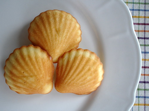 Almond madeleines